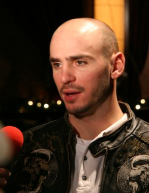 New middleweight champion Kelly Pavlik addresses the media at Pavlik-Taylor II NYC press conference.