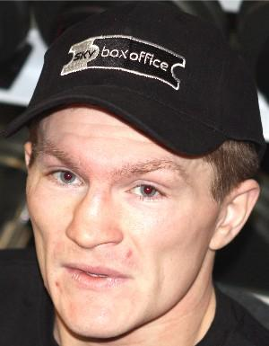 Hatton Ricky face cl Mayweather HoganPhotos
