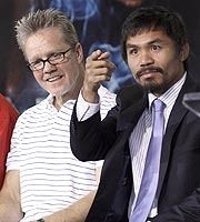 Roach (left) with Manny Pacquiao