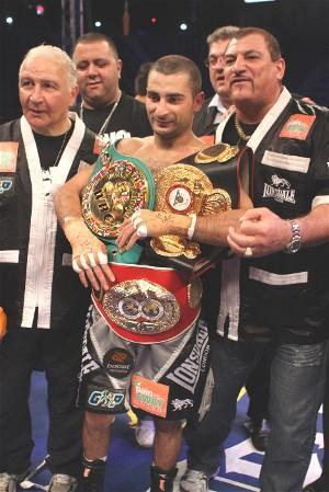 Darchinyan holds the WBC/WBA/IBF world titles: HoganPhotos.com