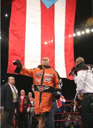 Cotto enters the ring at MSG: HoganPhotos.com