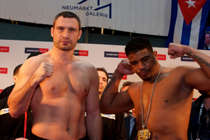 Solis and  Klitschko pose at weigh in
