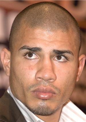 Anyone writing Cotto off?: HoganPhotos.com