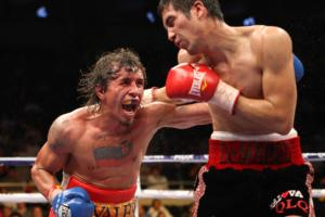 Edwin Valero goes for the ko pic Tom Casino