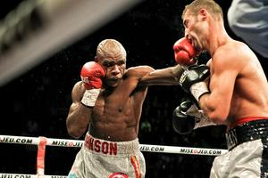 Johnson lands a jab on Bute (pic Tom Casino)