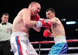 Martirosyan vs Lowry