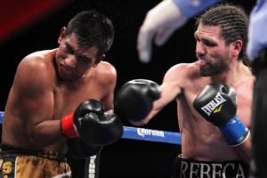 Angulo and Silva  battle it out 