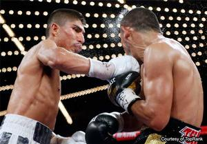 Garcia defeats Salido and moves to No.1 featherweight