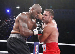 Pulev and Thompson fight up close