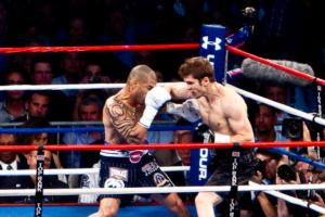 Cotto and Foreman battle in NY (pic Tri Nguyen)