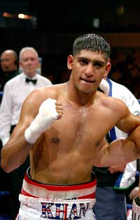 Amir Khan is making his mark a pro (pic Mr Will)